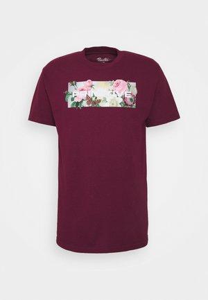 DAYBREAK TEE - Print T-shirt - burgundy