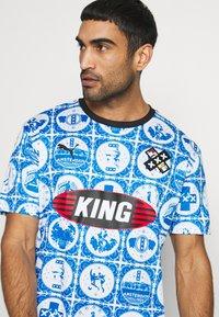 Puma - AMSTERDAM - T-Shirt print - royal - 4