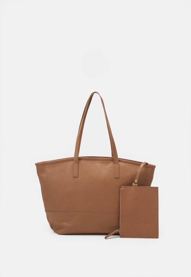 LEATHER SET - Shopping bag - tan