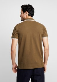 Lindbergh - CONTRAST PIPING - Polo shirt - army - 2