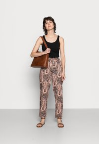 Soyaconcept - OLGA - Trousers - biscuit combi - 1