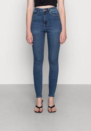 VMSANDRA SKINNY - Jeans Skinny Fit - medium blue denim