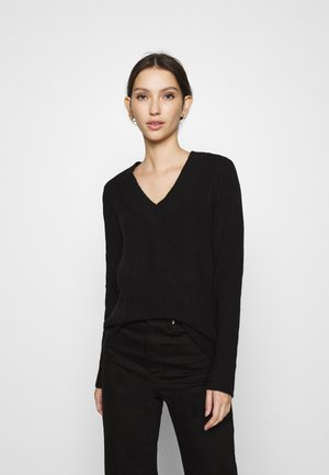 ONLLESLY V NECK  - Jumper - black