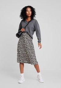 Vero Moda - VMCESINA V NECK  - Sweatshirt - dark grey - 1