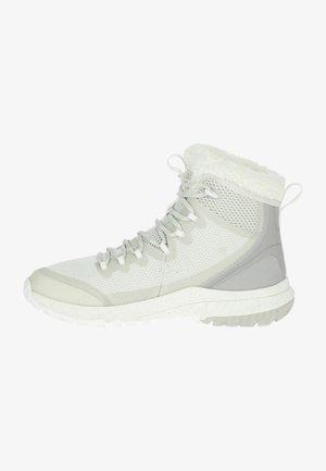 Hikingskor - white