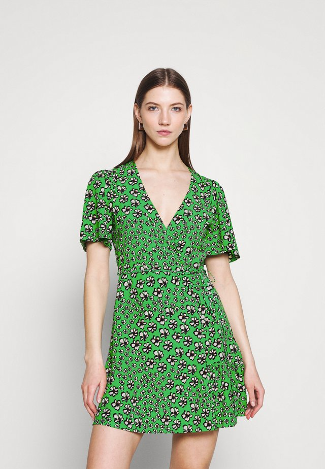 FLORAL BUTTON WRAP TEA DRESS - Vapaa-ajan mekko - green