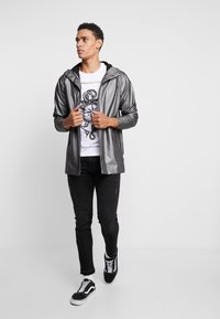 Rains - SHORT COAT - Regenjas - metallic charcoal - 1