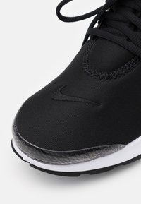 Nike Sportswear - AIR PRESTO - Sneakers - black/white - 5