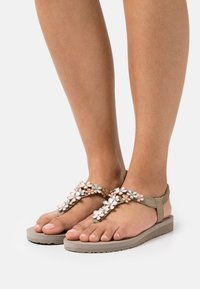 Skechers - MEDITATION - T-bar sandals - taupe - 0