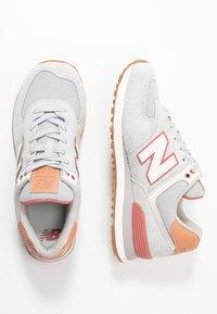 New Balance - WL574 - Zapatillas - grey/pink - 3