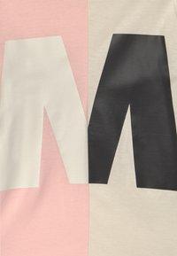 Marni - MAGLIETTA UNISEX - Print T-shirt - quartz rose - 2
