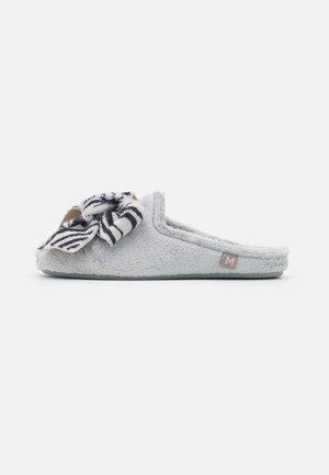 Pantoffels - montblanc gris