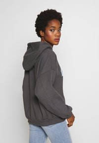 Levi's® - GRAPHIC HOODIE - Hoodie - mulitcolor/iron - 2