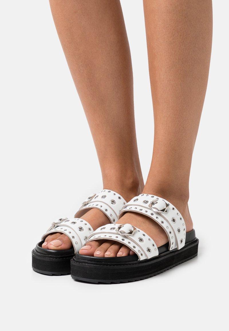 ASRA - SONA - Pantofle - white