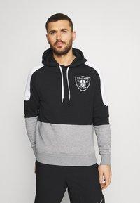 New Era - LAS VEGAS RAIDERS NFL CONTRAST PANEL HOODY - Felpa con zip - black - 0