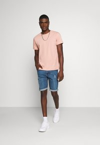 Redefined Rebel - HAMPTON - Jeans Shorts - light blue - 1