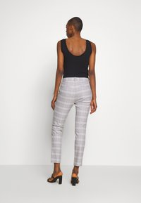 GAP - ANKLE  BISTRETCH - Trousers - grey plaid - 2