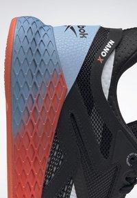 Reebok - NANO X - Chaussures d'entraînement et de fitness - black/white/vivid orange - 8