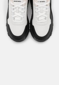 Diesel - HERBY S-HERBY LC SNEAKERS - Trainers - black/white - 5