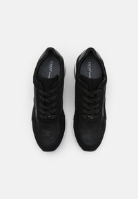 Tata Italia - Joggesko - black - 4