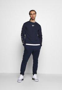Reebok - TAPE CREW - Sweatshirts - dark blue - 1