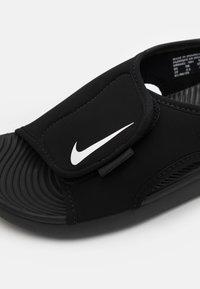 Nike Performance - SUNRAY ADJUST 5 UNISEX - Sandali da trekking - black/white - 5