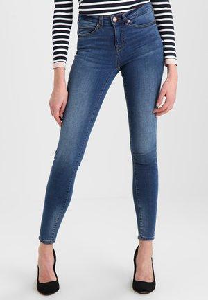 NMJULIE PUSH UP - Jeans Skinny Fit - medium blue denim