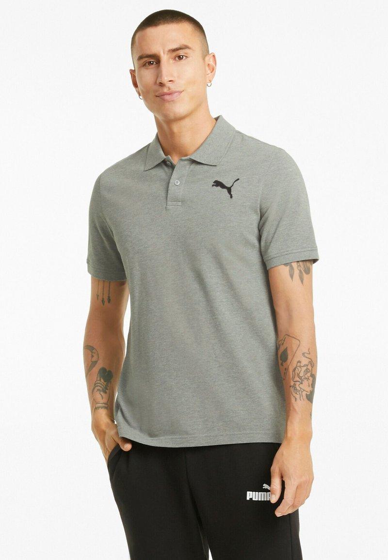 Puma - ESSENTIALS PIQUE  - Polo shirt - medium gray heather-cat