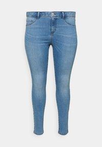 ONLY Carmakoma - CARFLORIA LIFE - Jeans Skinny Fit - light blue denim - 4