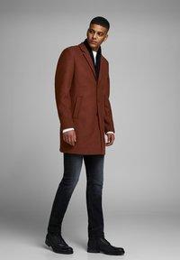 Jack & Jones PREMIUM - JPRMOULDER  - Short coat - brown - 3