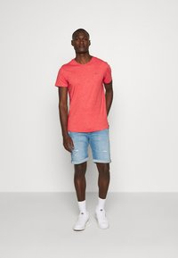 Jack & Jones - JJIRICK JJORIGINAL - Shorts vaqueros - blue denim - 1