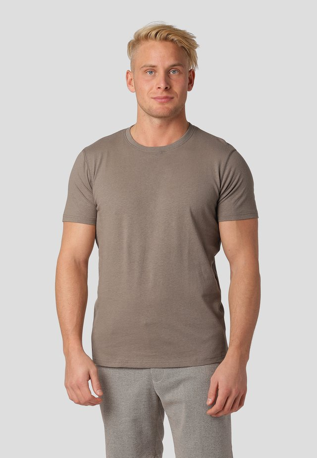 TUSCANY - Basic T-shirt - tobbaco brown