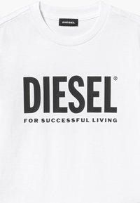 Diesel - LOGO MAGLIETTA UNISEX - Print T-shirt - bianco - 3