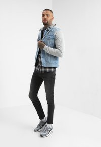 Redefined Rebel - FUNDA JACKET - Kurtka jeansowa - light denim - 1