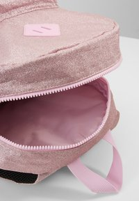 Capezio - SHIMMER BACKPACK - Rucksack - pink - 5