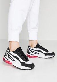 Puma - CELL STELLAR - Sneakersy niskie - white/black - 0