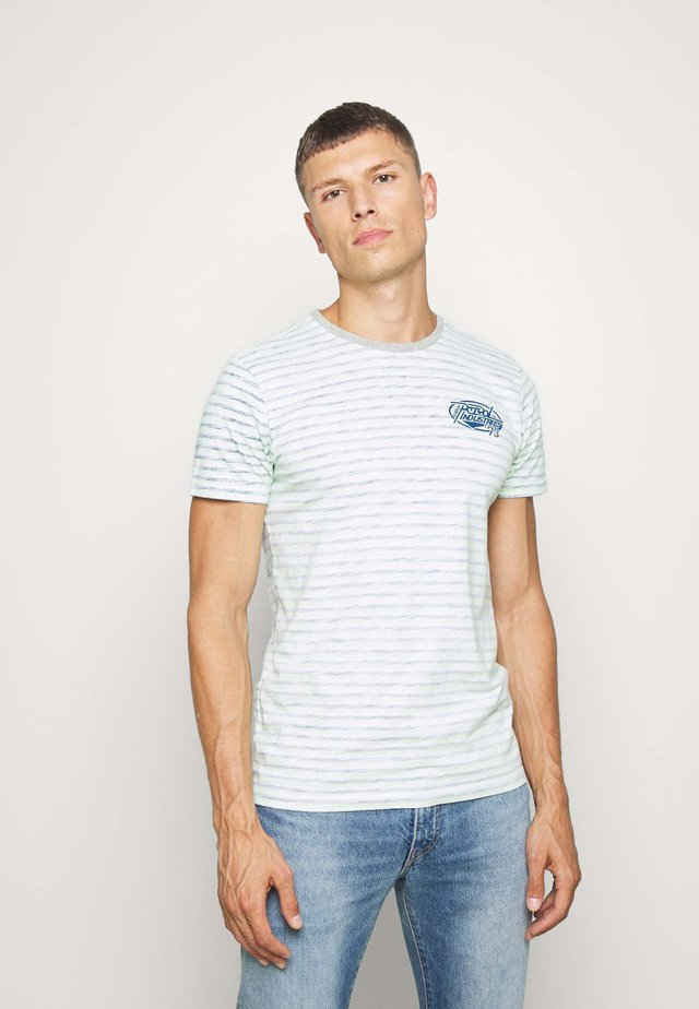 T-shirts med print - lizard