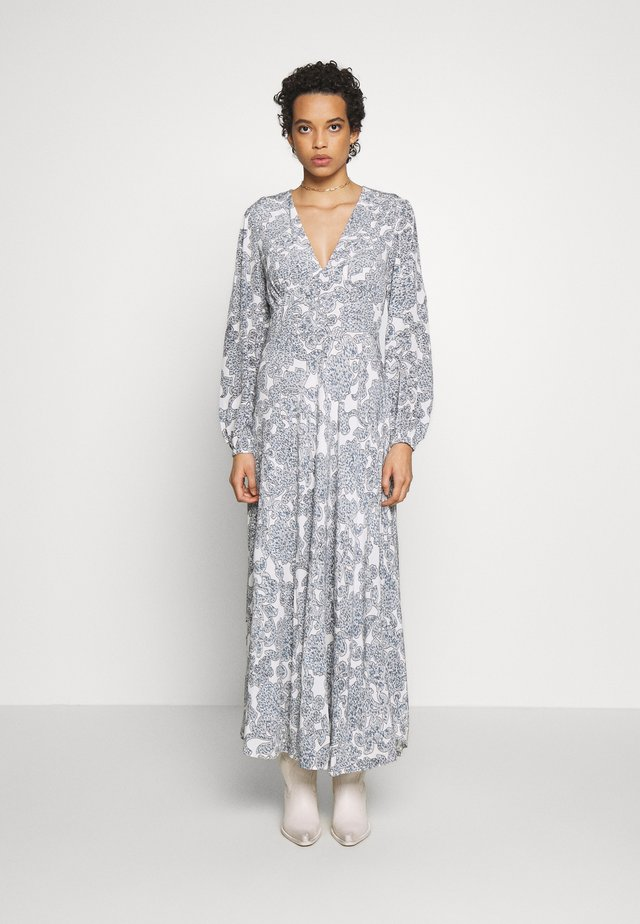CINDY DRESS - Robe longue - tapestry