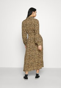 Colourful Rebel - KERA LEOPARD SHIRT DRESS BROWN - Blousejurk - brown - 2
