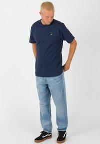 Vans - OFF THE WALL CLASSIC - Shirt - dress blues - 1