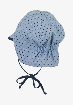 BABY SCHIRMMÜTZE MIT NACKENSCHUTZ JUNGEN  - Hat - light blue