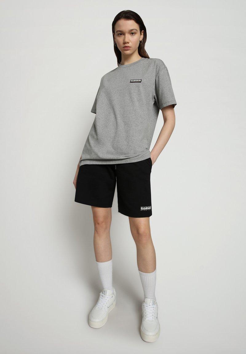 Napapijri - S-PATCH SS - T-shirt - bas - medium grey melange