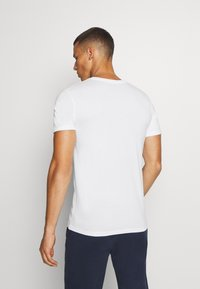 Jack & Jones Performance - JCOZSS TEE SLIM FIT 2 PACK - Basic T-shirt - black/white - 2