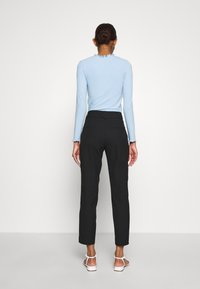 Selected Femme - SLFRIA CROPPED PANT - Trousers - black - 2