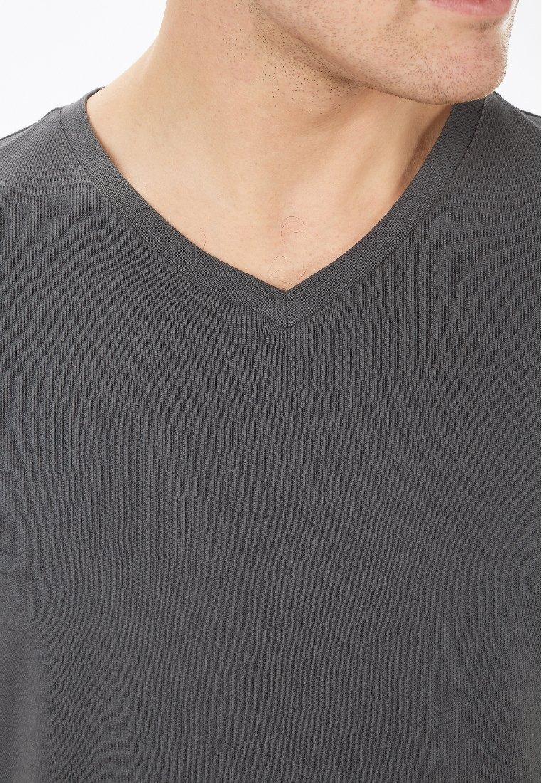 Uomo V-NECK  - T-shirt basic