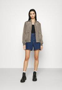 Lee - STELLA - Denim shorts - rinsed denim - 1