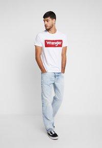 Wrangler - Printtipaita - white - 1