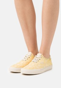Coach - CITYSOLE - Sneakers laag - pale yellow - 0