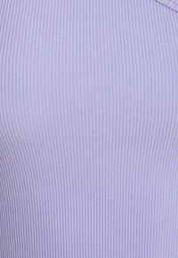 Weekday - STRAP CROP 2 PACK - Top - lilac/black - 6