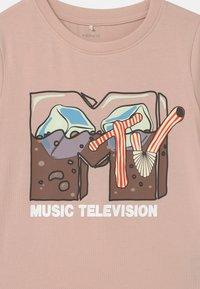 Name it - NKFMTV - T-shirts print - peach whip - 2